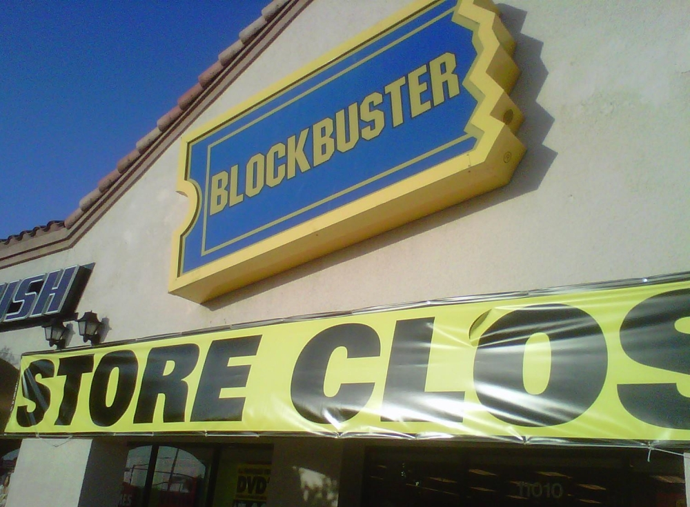 Blockbuster UK in administration