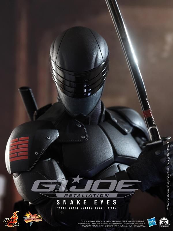 Snake Eyes Figure GI Joe Retaliation Hot Toys Hasbro 03