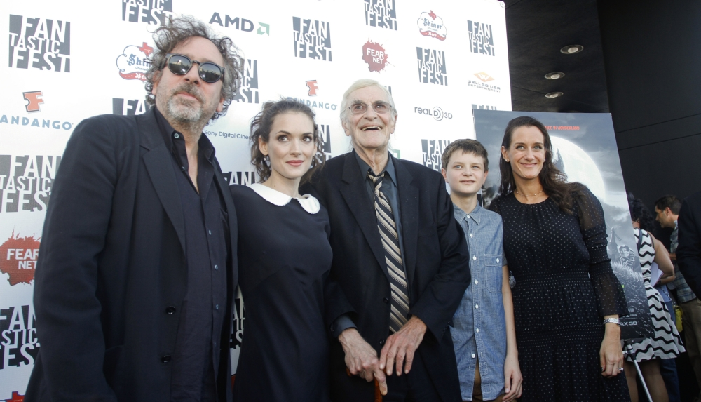 Frankenweenie cast Tim Burton Martin Landau Winona Ryder Charlie Tahan