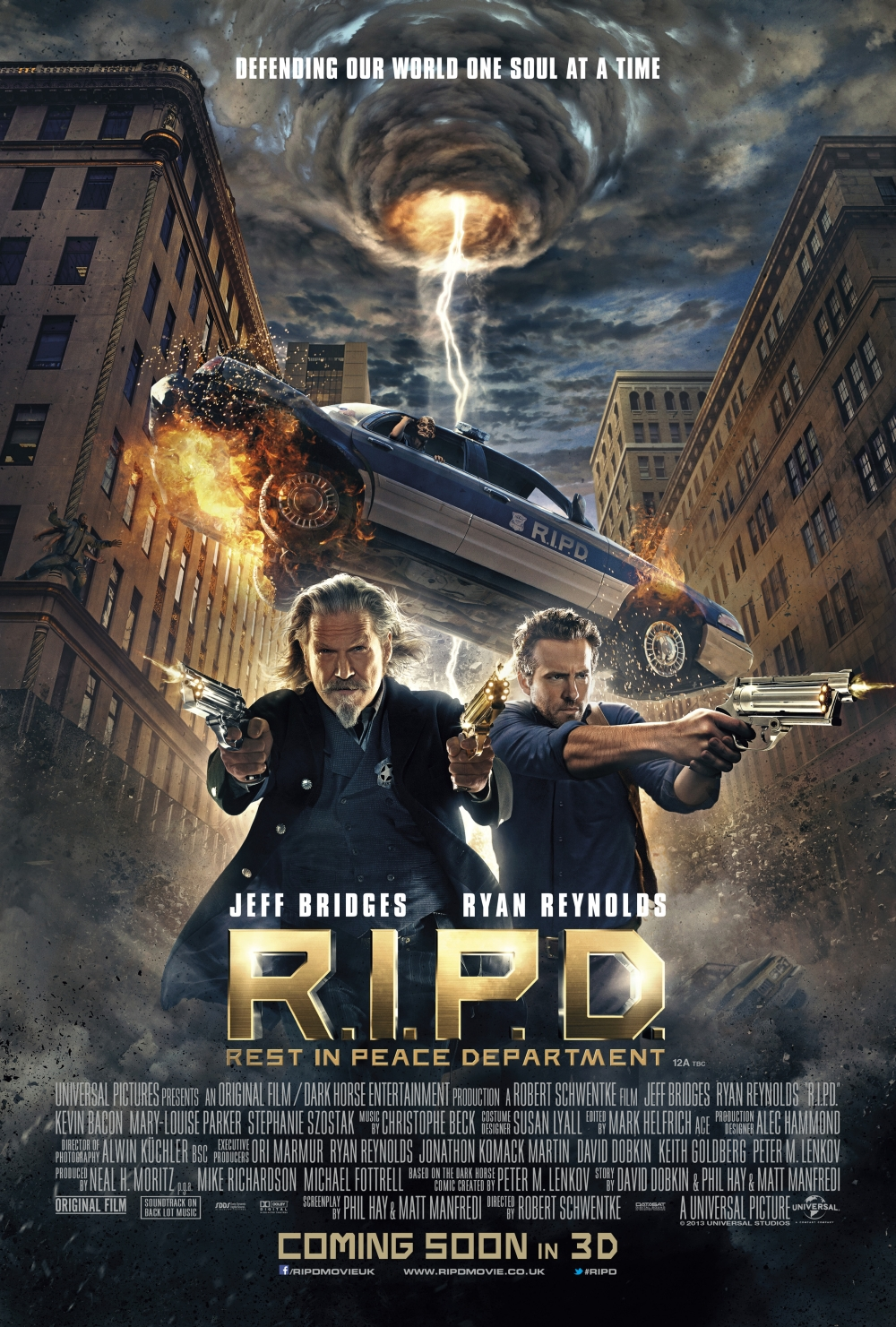 RIPD poster Jeff Bridges Ryan Reynolds Robert Schwentke Peter Lenkov comic
